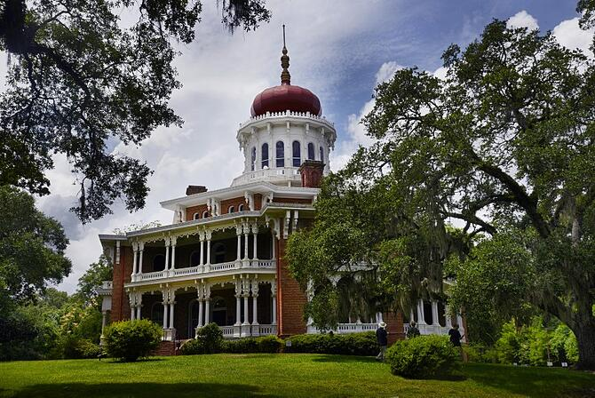 natchez300longwoodplantation2.jpg