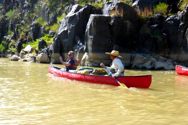 Canoeing in Rio Grande with group
