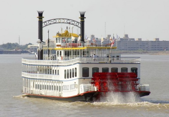 Cruise on the Mississippi River